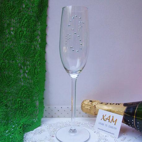 Copa de champagne con letras y forma S