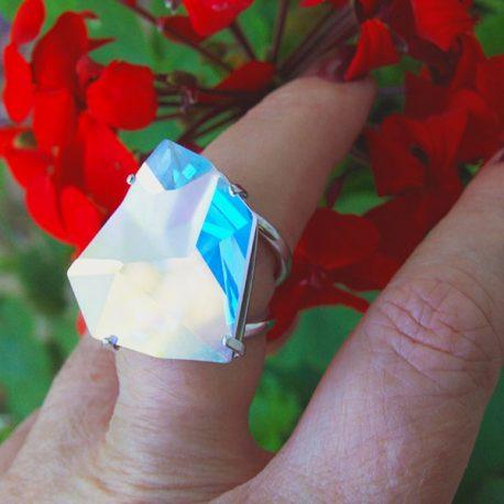 Anillo multifacetas iceberg de plata